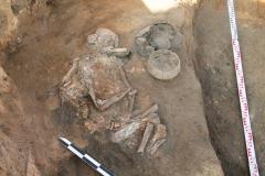 Погребение в курганном могильнике эпохи поздней бронзы.