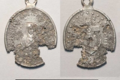 Католический медальон из Самарского могильника.