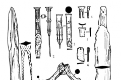 Рис. 4. План и инвентарь погребения № 12 курганной группы у с. Советское. 2 – железо, бронза; 3 – керамика; 4 – бронза.