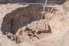 Средневековое погребение в хозяйственной яме