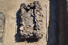 Каменный склеп на поселение Чекупс-2
