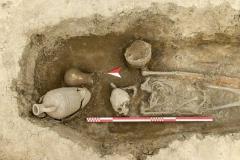 Средневековое погребение из поселения Варнавинское 3.